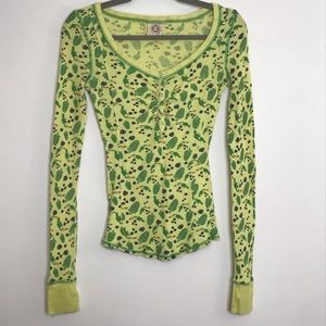 Free People thermal snap front graphic print small